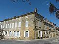 Beaumont-du-Périgord angle rue Foussal - pl V Polony.JPG