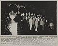 Besuch der Militärattachés im Garten des Künstlervereins Malkasten zu Düsseldorf am Tag der Kriegserklärung Italiens an Deutschland und Rumänien an Österreich-Ungarn, Foto Julius Söhn, in Rhein und Düssel vom 16. September 1916.jpg