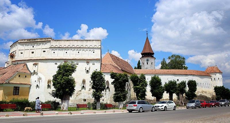 File:Biserica fortificată din Prejmer - vedere de ansamblu.jpg