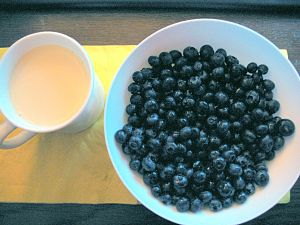 soy milk and blueberries