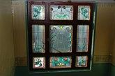 Fil:Blyinfattade glasfönster, kv Päronet.jpg