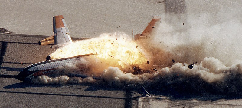 File:Boeing 720 Controlled Impact Demonstration.jpg