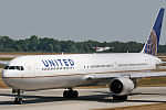 Boeing 767-424 ER United Airlines N66056 (9382635931).jpg