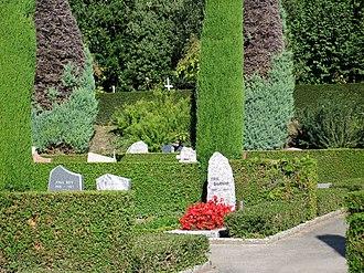 Bois-de-Vaux Cemetery - Image: Bois Vaux 2