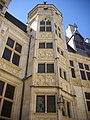 Bourges - palais Jacques-Cœur, cour (05).jpg