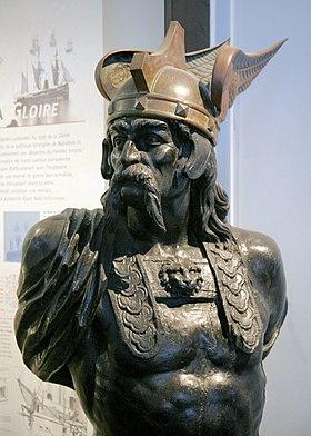 Buste de Brennos provenant de la figure de proue du cuirassé Brennus, Musée national de la Marine.