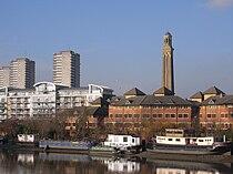 Brentford skyline 4670.JPG