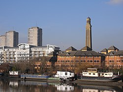 Brentford skyline 4670.JPG