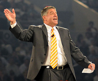 Bruce Pearl - Pearl speaking in Knoxville in 2010
