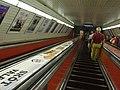 Budapešť, Deák Ferenc tér, eskalátor metra M3.JPG