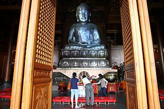 Jing'an Temple - Buddha in the Precious Hall of the Great Hero