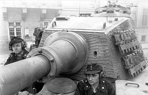 Shot trap - A clear view of the flat front of the later Tiger II production turret