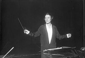 Antonia Brico - Antonia Brico conducting at the Philharmonie in Berlin, 1930