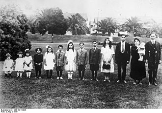 History of the family - Family in Los Angeles