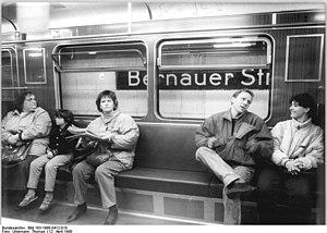 Bernauer Straße (Berlin U-Bahn) - Inside a train at Bernauer Straße U-Bahn station
