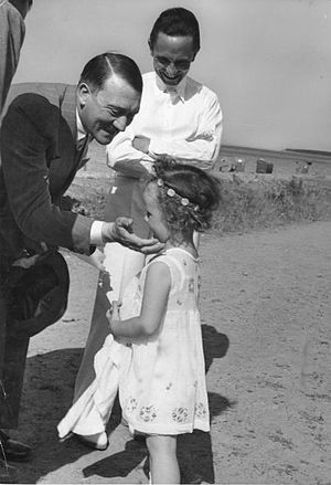 Joseph Goebbels - Goebbels and his daughter Helga with Adolf Hitler