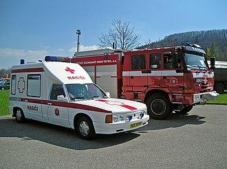 Tatra 613 - Image: CAS 20 Tatra 815 4x 4 & Tatra 613 Sanita