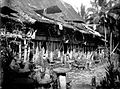 COLLECTIE TROPENMUSEUM Vele stenen voor een gebouw van een kampong te Nias TMnr 10000974.jpg