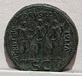Caligola, emissione bronzea, 37-41 ca. agrippina, drusilla e iulia.JPG
