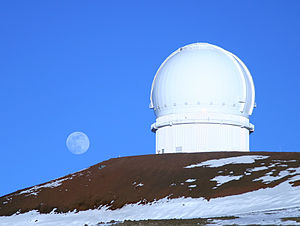 300px Canada France Hawaii Telescope with moon