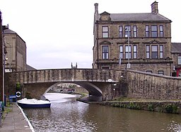 Canal in Skipton 02.JPG