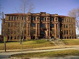 Central High School (Davenport, Iowa) Public secondary school in Davenport, Iowa, United States