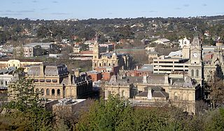 Central bendigo from botanic gardens.jpg