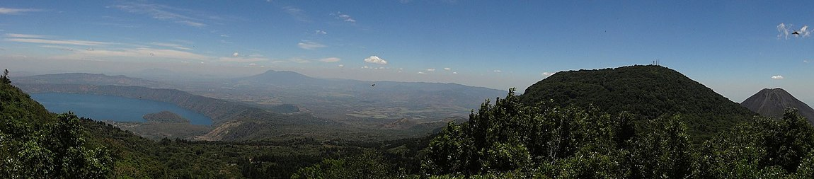 View of the city of Coatepeque Caldera