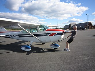 Fagernes Airport, Leirin - Cessna 172 at the airport