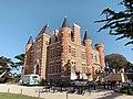 Chateau-du-Nessay-facade&terrasse-byRundvald.jpg