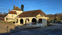 Chaux-la-Lotière, la fontaine-lavoir-abreuvoir.jpg