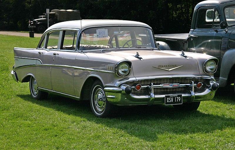 File chevrolet bel air 1957 4door sedan wikipedia for 1957 chevrolet 4 door sedan