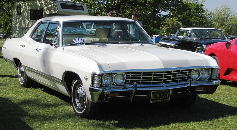 800px-Chevrolet_Impala_1967_5400ish_cc.J