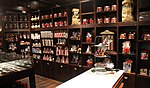 Chocolate Shop (30485089290).jpg