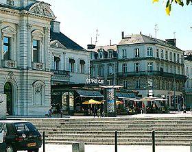 Centre ville Cholet: Place Travot