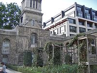 Christ Church Greyfriars with bank building in shot
