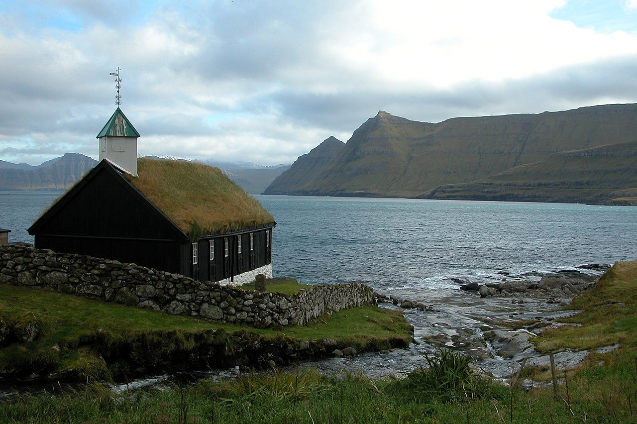 File Church Of Funningur Faroe Islands Jpg Wikimedia