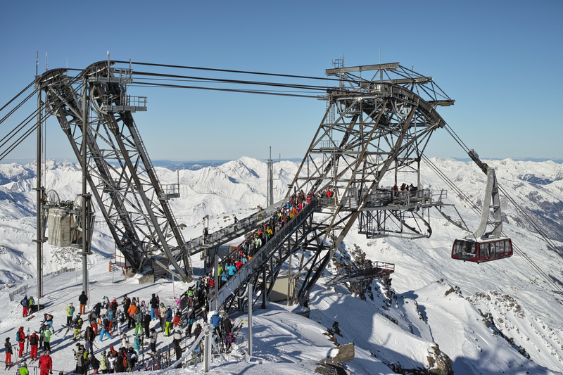 File:Cime de Caron France top station from SE on 2015-01-05.png