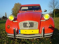 Image: Citroën 2CV.jpg (row: 0 column: 16 )