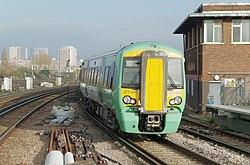 Clapham Junction railway station MMB 32 377605.jpg