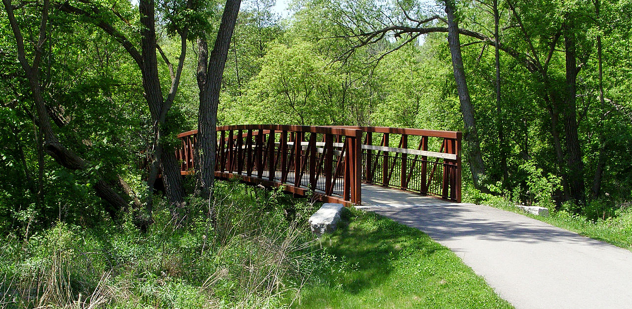 Pic of Don River Valley Park bridge and trees
