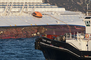 Collision of Costa Concordia DSC4204.jpg