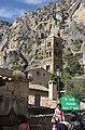 Contraste de formes, Moustiers-Sainte-Marie, Alpes-de-Haute-Provence, France - panoramio.jpg