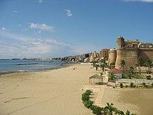 Il litorale di ponente di Nettuno visto dal borgo