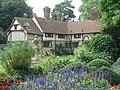 Cottages Ightham Mote - geograph.org.uk - 412223.jpg