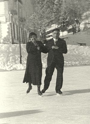 Pair skating - Recreational pair skating in 1931 in Switzerland