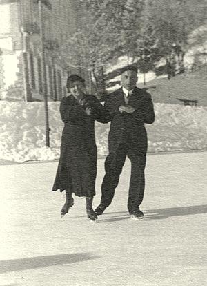 Pair skating - Recreational pair skating in 1931 in Switzerland