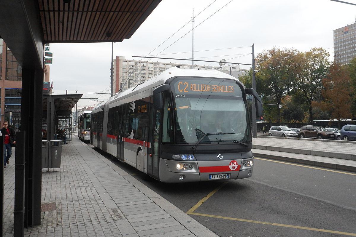 Ligne c2 de trolleybus de lyon wikip dia for Plan interieur gare lyon part dieu