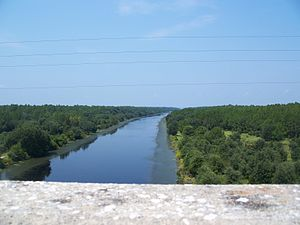 Cross Florida Barge Canal - One of the two completed sections of the Barge Canal, looking west from the SR 19 bridge south of Palatka