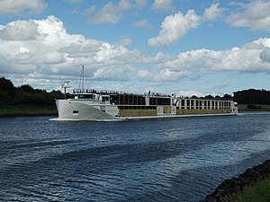 Crystal Cruises - Crystal Bach in Kiel Canal I